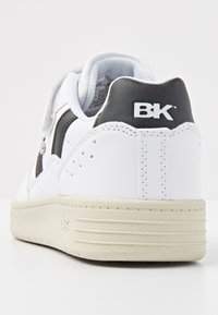 British Knights - Zapatillas - white/black - 3