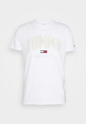 SHADOW TEE UNISEX - Camiseta estampada - white