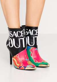 Versace Jeans Couture - HIGHT TOP STILETTO  - High heeled ankle boots - black - 0