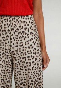 Oui - Trousers - light grey camel - 3
