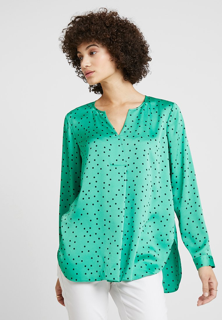 Vince Camuto Plus PLEATED BACK CRISP POLKA DOT Bluser