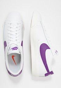 Nike Sportswear - BLAZER - Matalavartiset tennarit - white/voltage purple - 1