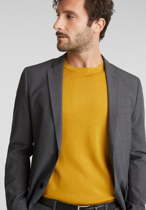 REGULAR FIT - Stickad tröja - brass yellow