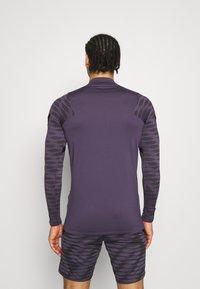 Nike Performance - Sports shirt - dark raisin/black/siren red - 2