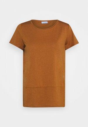 WRAP DETAIL - Basic T-shirt - chai