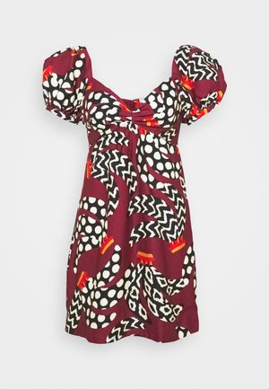 ETHNIC BANANAS DRESS - Denní šaty - bordeaux