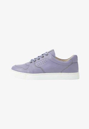 Sneakers laag - licht lavendel