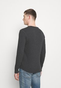 GAP - ARCH THERMAL - Long sleeved top - charcoal heather - 2