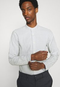 Selected Homme - SLHSLIMMILTON STRIPES - Formal shirt - grey - 3