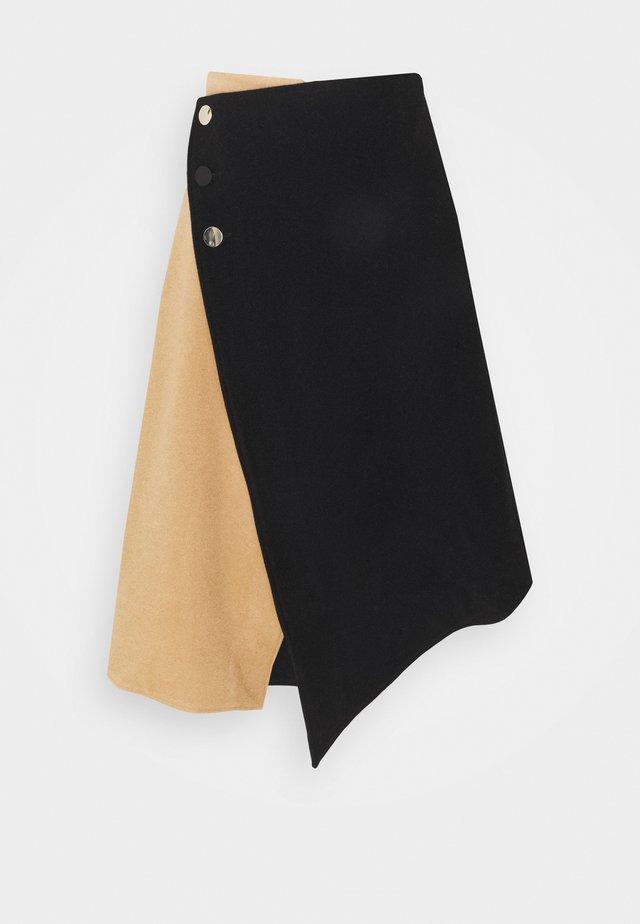 Áčková sukně - multi
