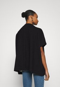Opus - AMBERLEY LITTLE CHECK - Cape - black - 2
