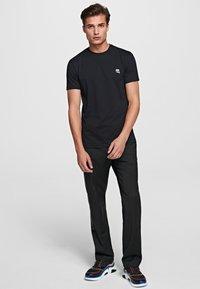KARL LAGERFELD - IKONIK - Basic T-shirt - black - 1