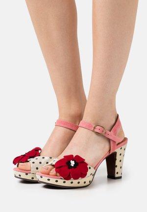 EDILMA - Sandalias con plataforma - cherry/rojo