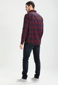 Tommy Jeans - SLIM TAPERED STEVE COBCO - Slim fit -farkut - cobble black comfort - 2