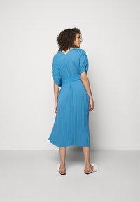 Henrik Vibskov - NEW JELLY DRESS PLISSE - Denní šaty - blue - 2
