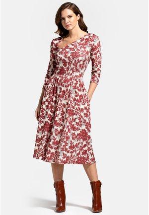 Day dress - burgundy geo blossoms