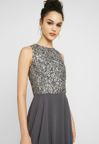 Lace & Beads - HANKERCHIEF HIGH LOW DRESS - Robe de cocktail - charcoal - 4