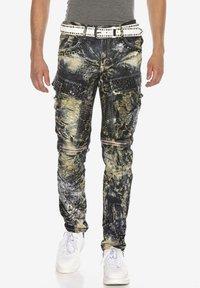 Cipo & Baxx - COOLER WASCHUNG UND ZIERNÄHTEN - Straight leg jeans - khaki - 0