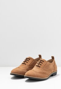 Anna Field - LEATHER FLAT SHOES - Derbies - brown - 4