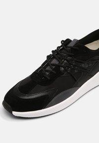 Guess - MODENA SPORT SMART - Trainers - black - 4