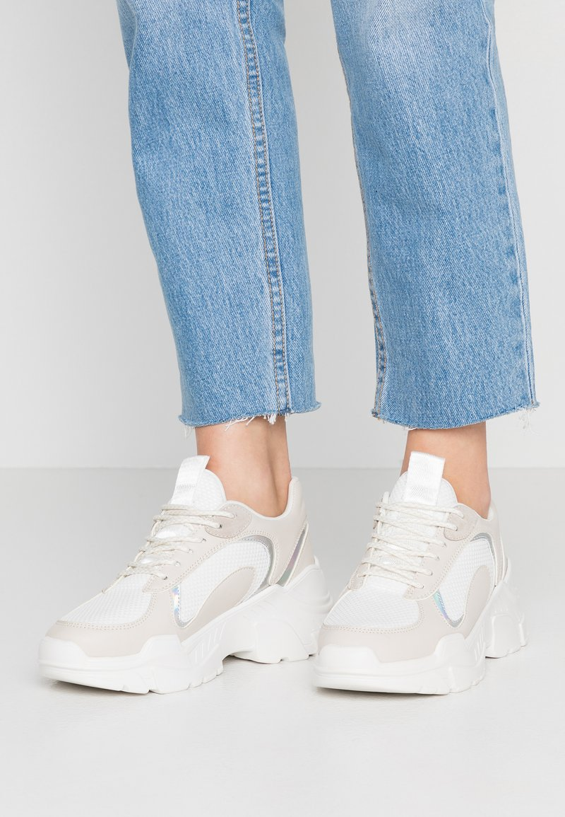 ONLY SHOES - Joggesko - offwhite