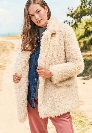 SHAGGY - Winter coat - off-white