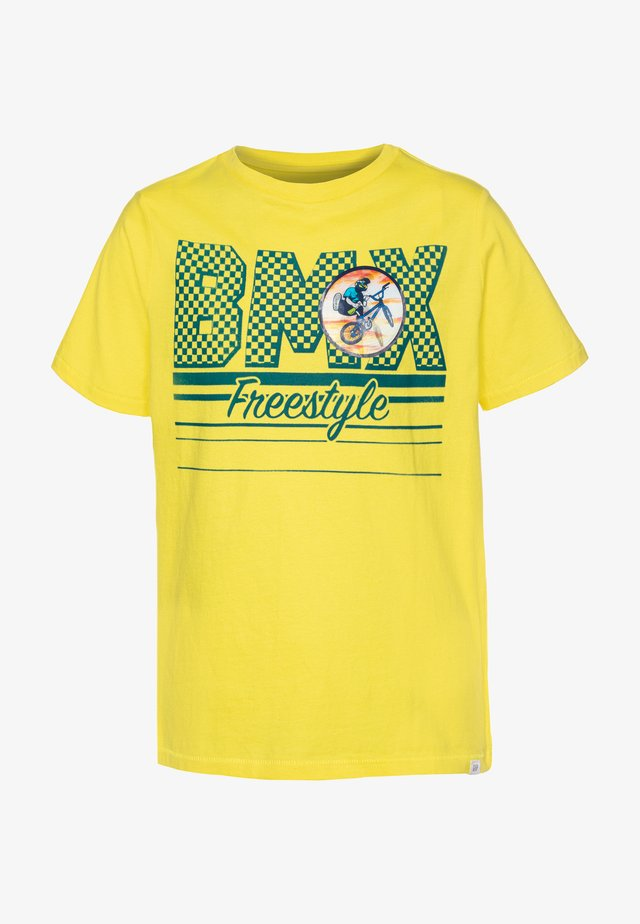 BOY  - T-shirt z nadrukiem - yellow