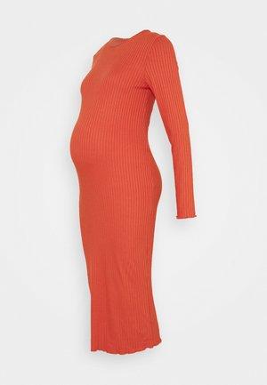 LONGSLEEVE DRESS - Sukienka z dżerseju - rust