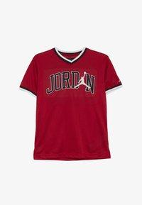 Jordan - 23 SHOOTING - Print T-shirt - gym red - 3