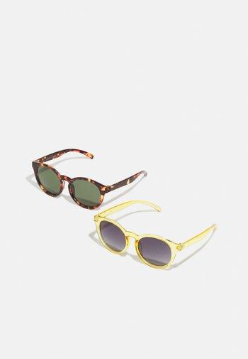 MINI SUNGLASSES 2 PACK UNISEX - Sunglasses - pineapple/turtle