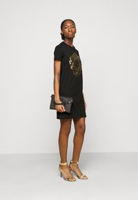 Versace Jeans Couture - Jersey dress - black-gold - 1