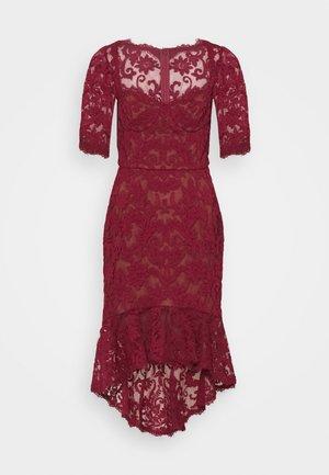 SLEEVE DAMASK DRESS - Sukienka koktajlowa - bordeaux