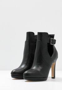 Buffalo - JONA - Kotníková obuv na vysokém podpatku - black - 4
