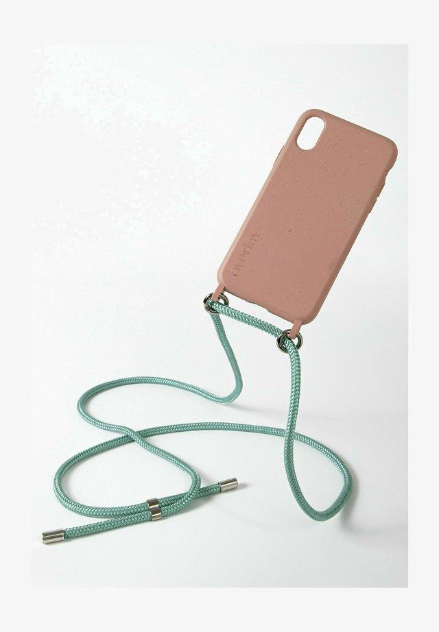 Phone case - bunt