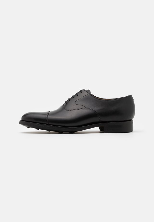 MALVERN - Veterschoenen - black