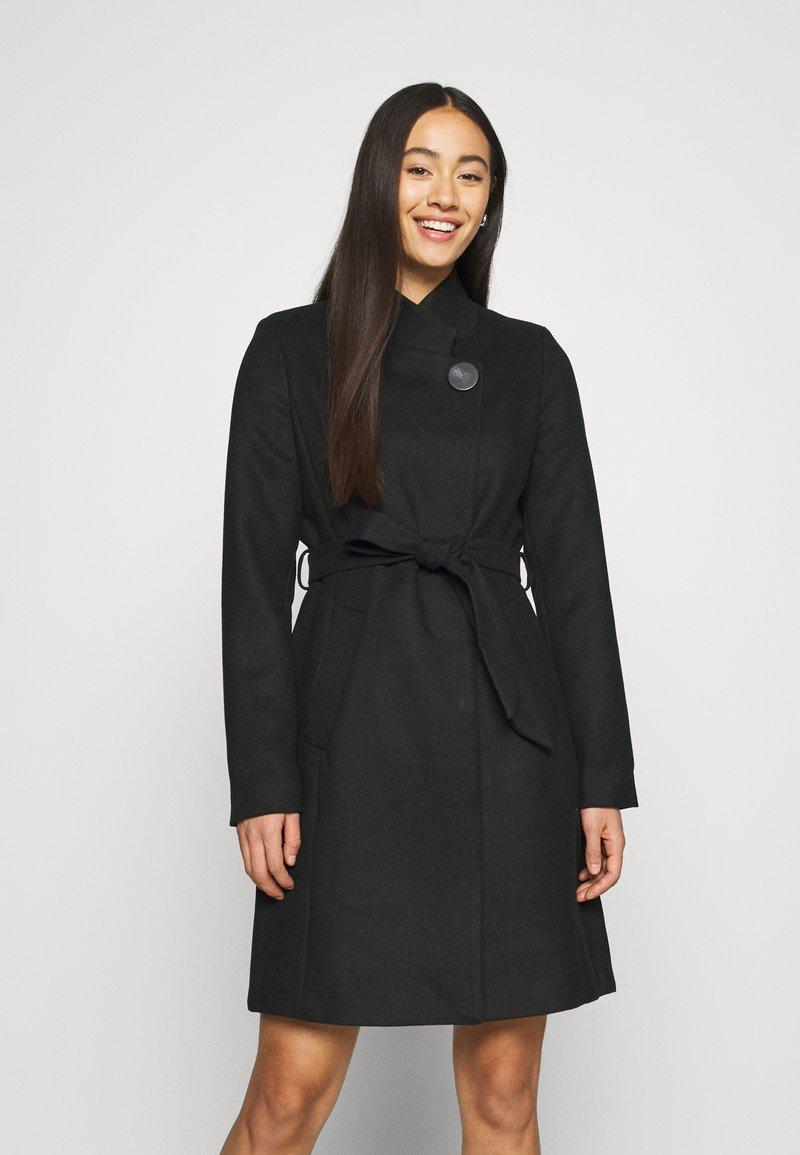 Vero Moda - VMJUHI JACKET - Classic coat - black