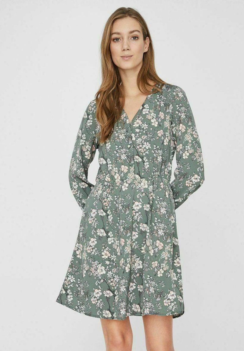 Vero Moda - Day dress - laurel wreath