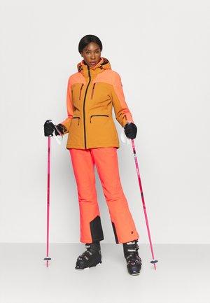 Skijakke - karamell
