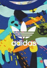 adidas Originals - TEE DRESS SET - Leggings - multco/white - 6