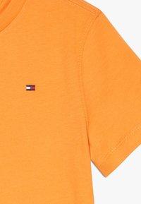 Tommy Hilfiger - ESSENTIAL TEE  - Jednoduché triko - orange - 3
