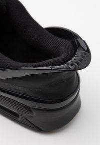 Nike Sportswear - AIR MAX 90 FLYEASE UNISEX - Sneaker low - black - 5