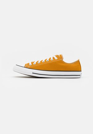 CHUCK TAYLOR ALL STAR - Sneakersy niskie - saffron yellow