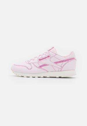 CLASSIC VEGAN - Joggesko - porcelain pink/chalk/pursuit pink