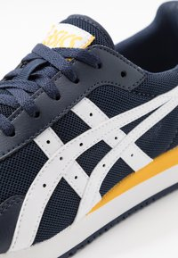ASICS SportStyle - TIGER RUNNER UNISEX - Trainers - midnight/white - 5