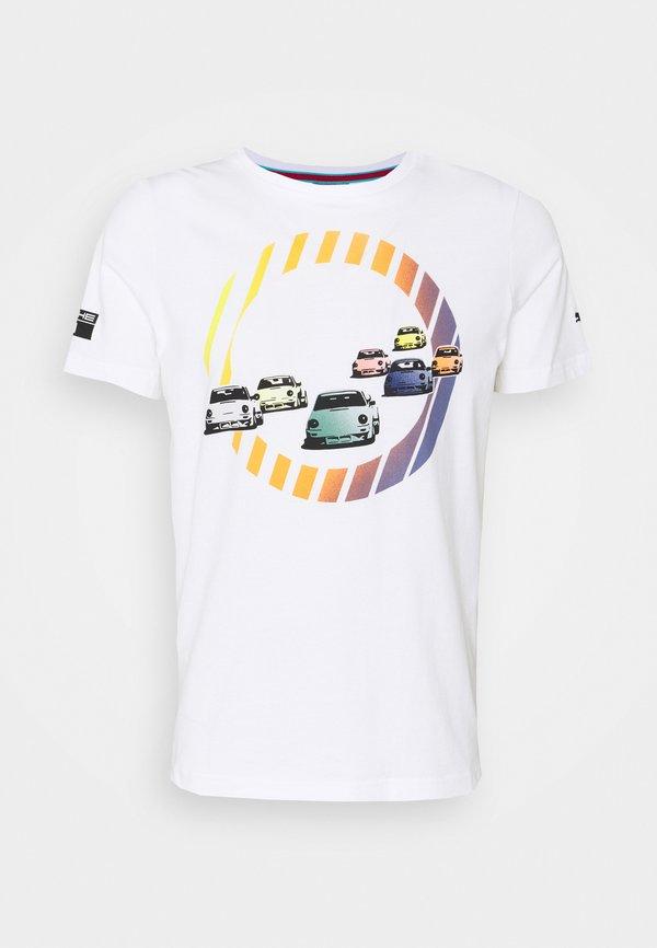 Puma GRAPHIC TEE - T-shirt z nadrukiem - white/biały Odzież Męska ECAW