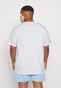 Johnny Bigg - ESSENTIAL CREW NECK TEE - Basic T-shirt - white - 2
