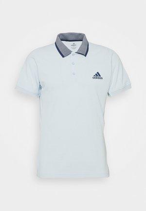 AEROREADY TENNIS SLIM SHORT SLEEVE - Sports shirt - skytin/tecind