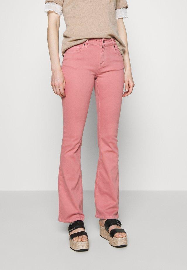 MARIJA - Flared Jeans - pearl rose