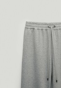 Massimo Dutti - Tracksuit bottoms - light grey - 5