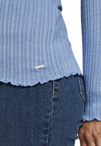 TOM TAILOR DENIM - Long sleeved top - summer blue - 5